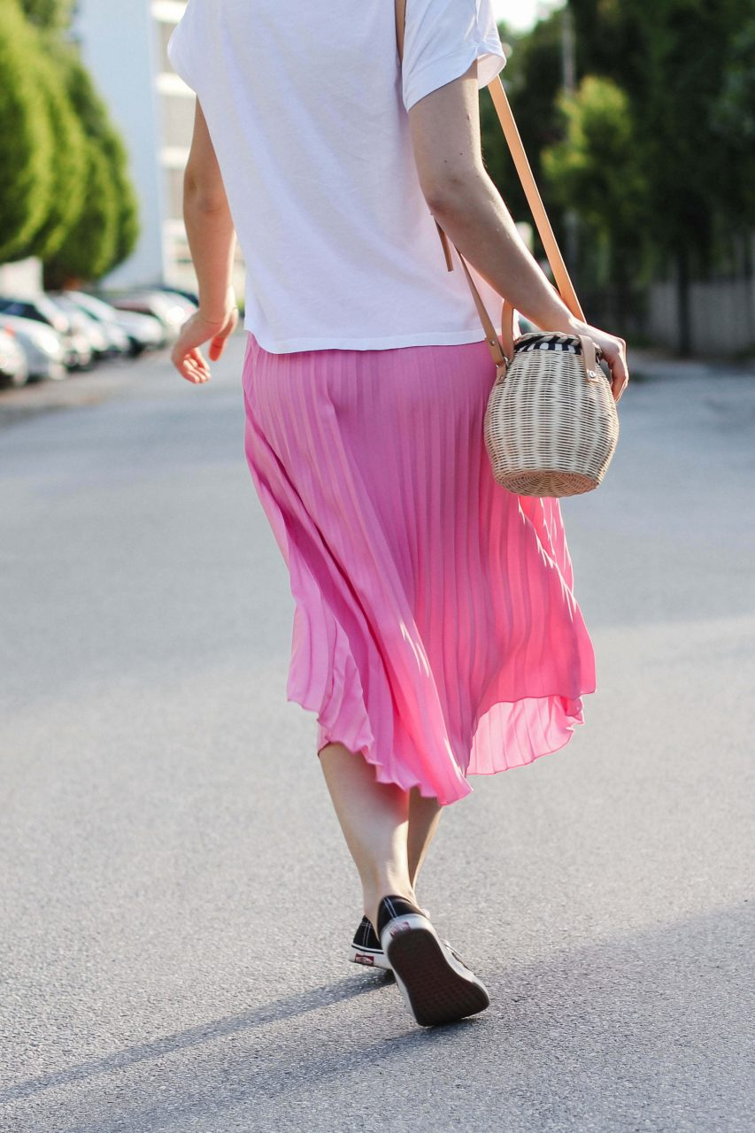 940a1931b8c5 Four summer looks including straw baskets