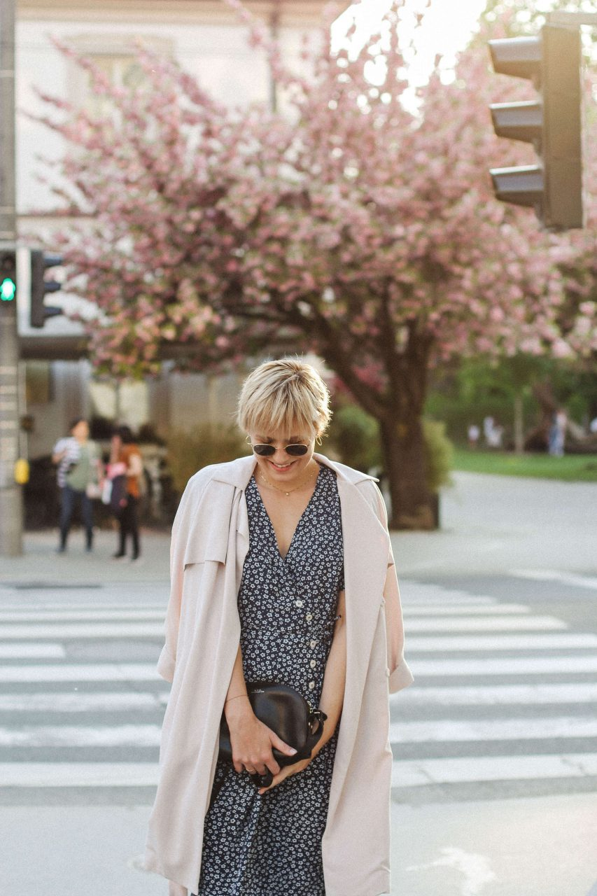 7 Ways To Wear a Trench Coat ThisSpring picture